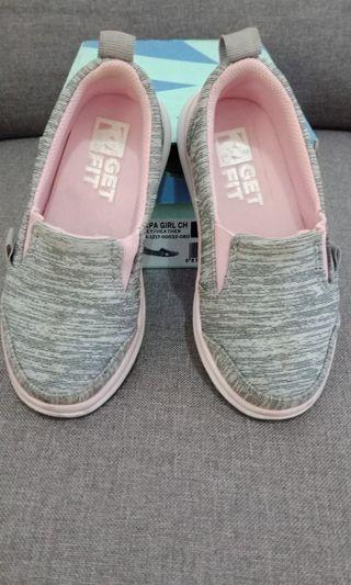 Sepatu Toezone