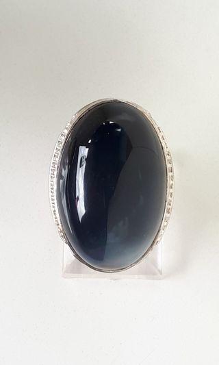 Batu cincin bacan black obi