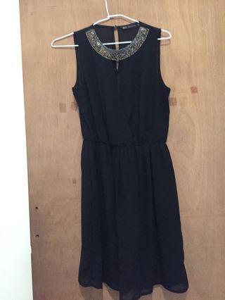 Zara 黑色小洋裝