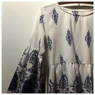 [blue/white] blouse