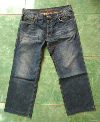 Levis Cardinal Jeans Original size 37 fit 38