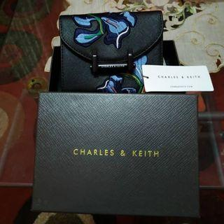 REPRICE New Charles & Keith Wallet x Van Gogh