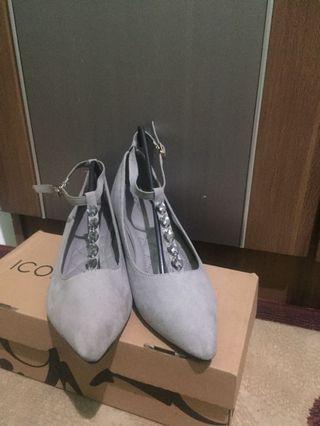 Turun harga sepatu
