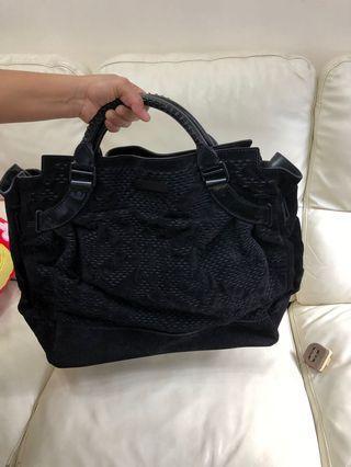 Burberry uni sex suede carry bag