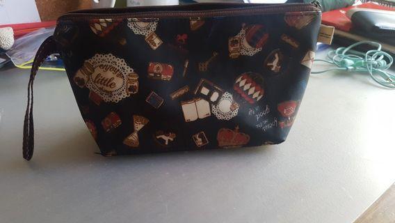 🚚 Pencil case