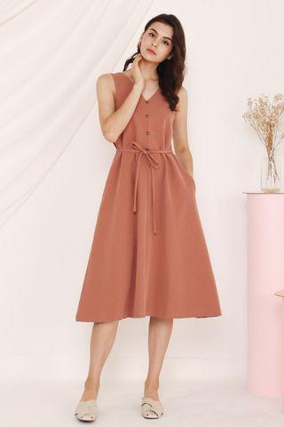 Thewillowlabel Ellen v neck dress chai