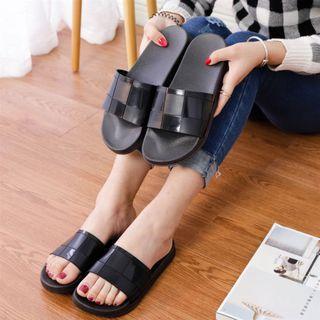 Ins web celebrity slippers outside women wearing fashion soft bottom non-slip word slippers