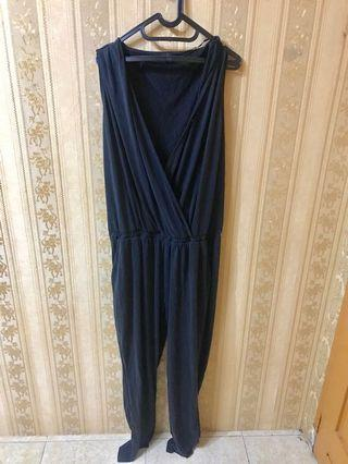bigsize black sleeveless jumpsuit