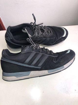 🚚 REDUCED - Adidas Shoes retro