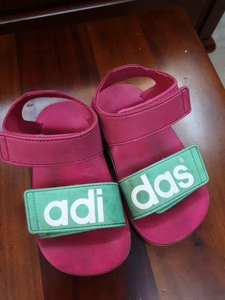 adidas桃紅色魔鬼氈防水涼鞋