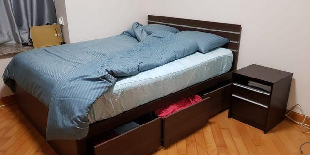 LAST DAY SALE! 最後大減價! - 5尺双人床 Queen Bed with 3 drawers