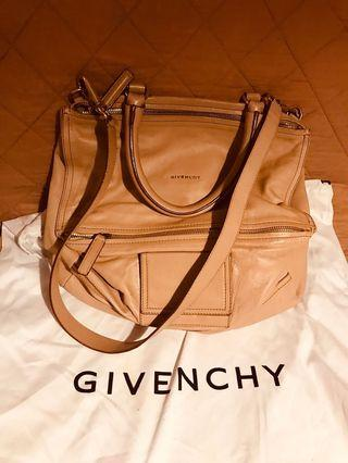 Givenchy 2 way leather bag 冇破