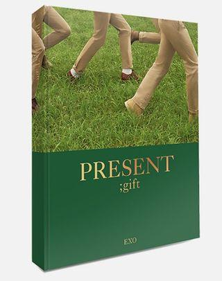 EXO PRESENT; gift photobook (without popup card)