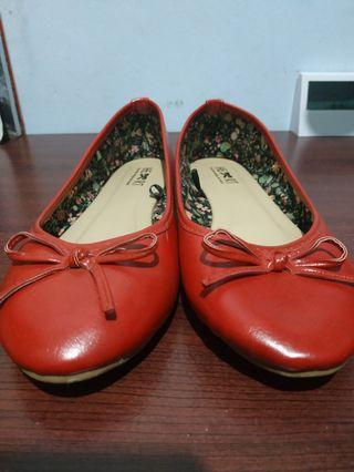 TLTSN Sepatu Flat Shoes Merah
