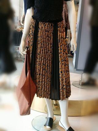 🚚 愛心豹紋折裙