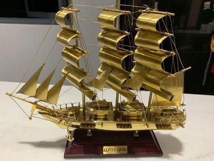 🚚 Auspicious Bronze display Ship ornament