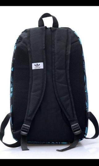🚚 Adidas Bagpack