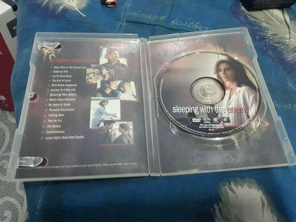 DVD sleeping with the enemy/julia roberts