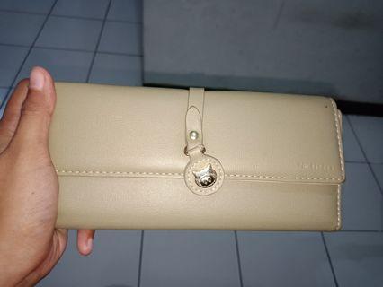 dompet wanita panjang