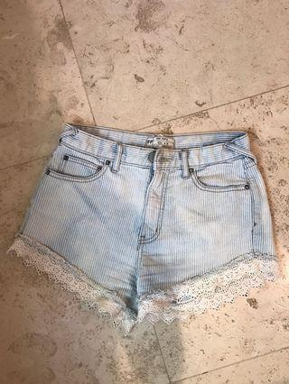 Free People adorable shorts