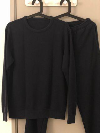 Uniqlo Sweatshirt Set