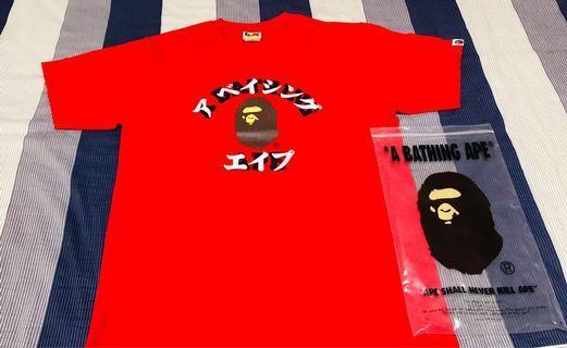 bape college  紅色T-shirt