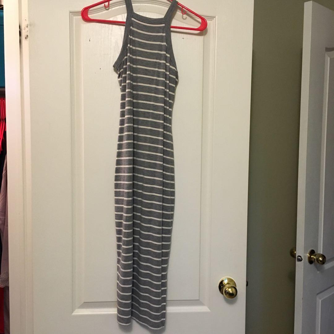 Grey and white maxi dress from garage (worn twice) size:xs fits s