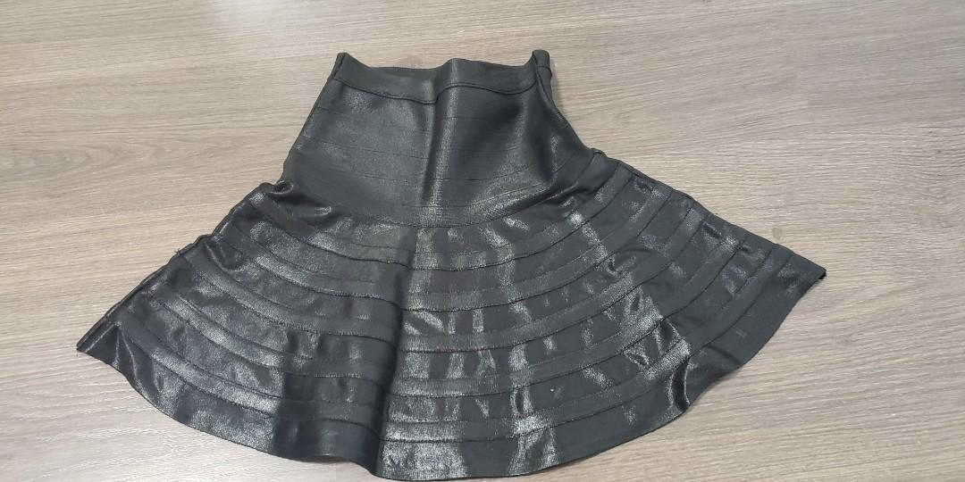 Guess By Marciano Xxs black coated bandage shiny flare skirt