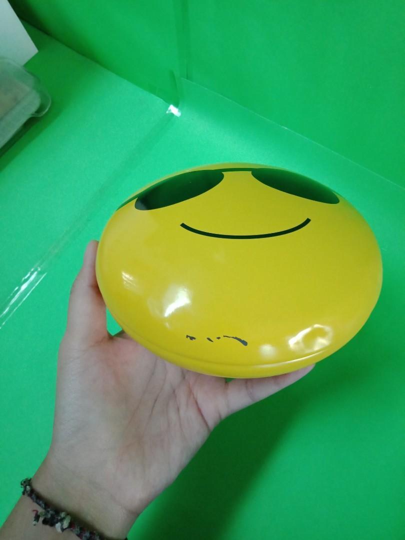 Kaleng smile