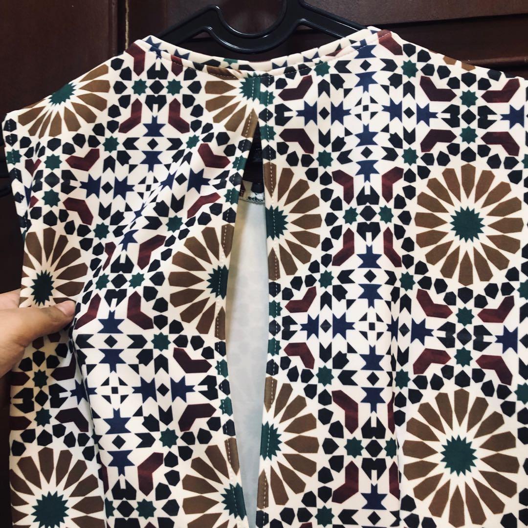 Preloved ZARA vintage mozaic dress