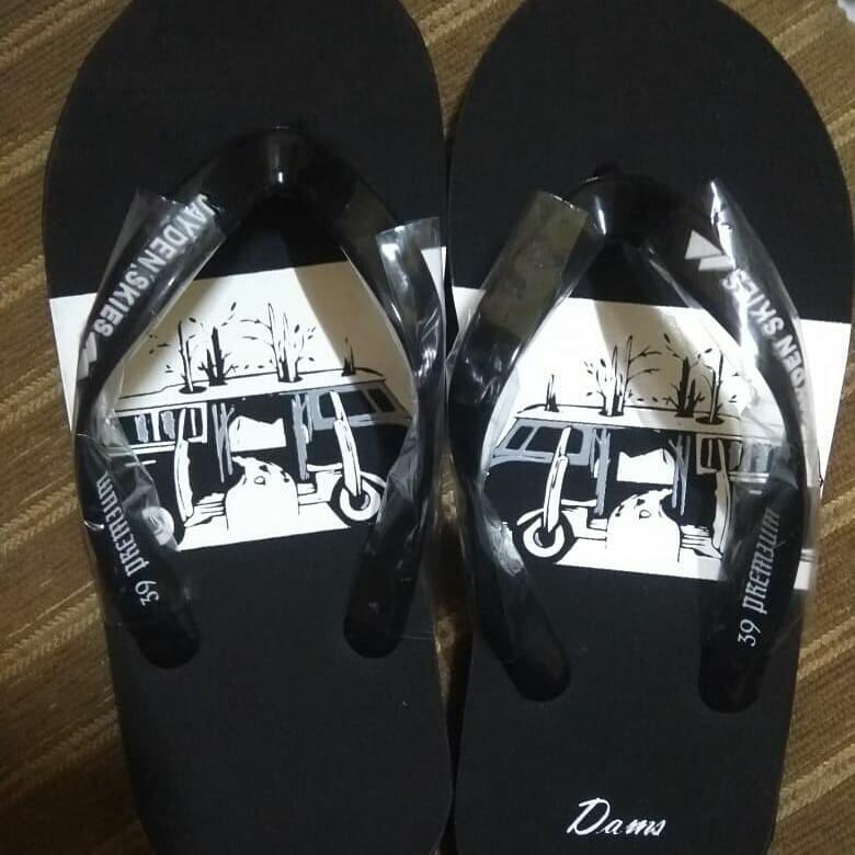 Sandal impor