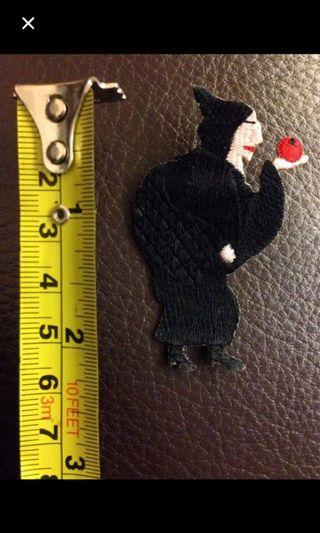 Wooly Bully brooch