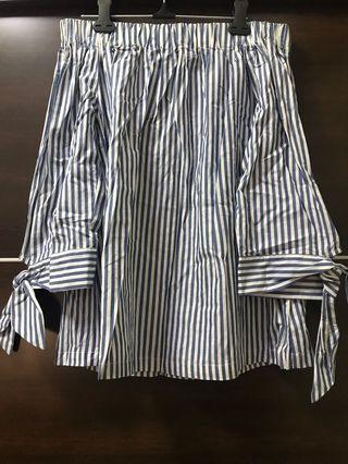 藍白條紋襯衫 / 一字領