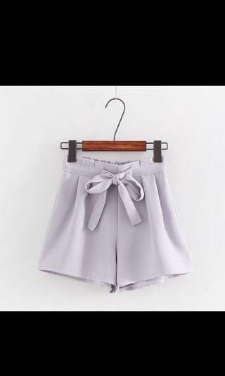 BNIB Paperbag / high waist Shorts, grey