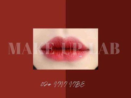 🚚 VIBE Lip Glaze | Vivi VIBE