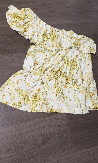Yellow floral 1 sided top from h&m size small