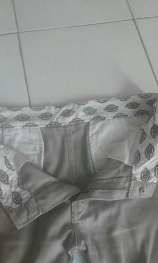 Celana dickies