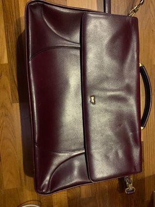 🚚 Braun buffet leather briefcase