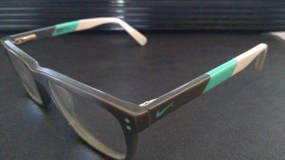 Kacamata Nike 5536 Dark Grey/Hyper Jade