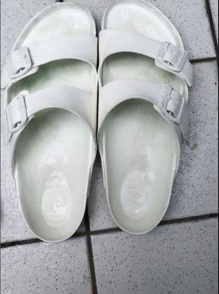 🚚 伯肯拖鞋