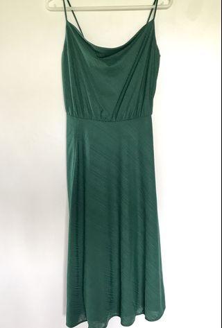 SM Woman Emerald green dress