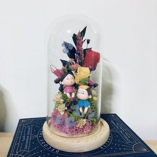 INSTOCK 😚 Preserved Baby Roses Flower Glass Dome with Boy and Girl Figurines