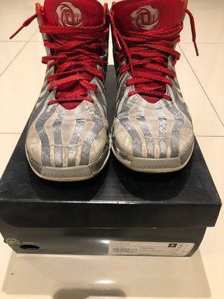 Derrick rose basketball shoes