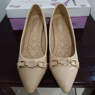 Sepatu Kerja Cream