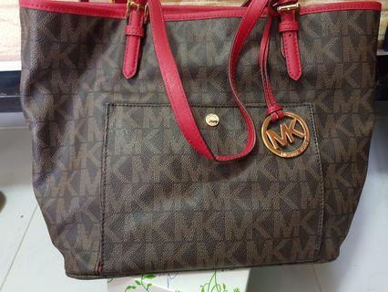 Slighly used Michael Kors bag
