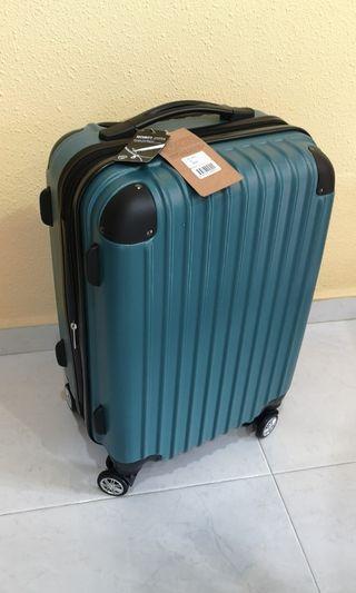 """Slazenger luggage 20"""""""