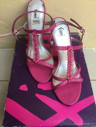 Sepatu Fioni Payless