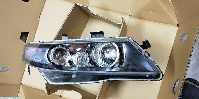 Honda Accord Euro R Model: CL7R, Head Lamp, Genuine Parts , Made In Japan. Stanley No.HCHR 537/538