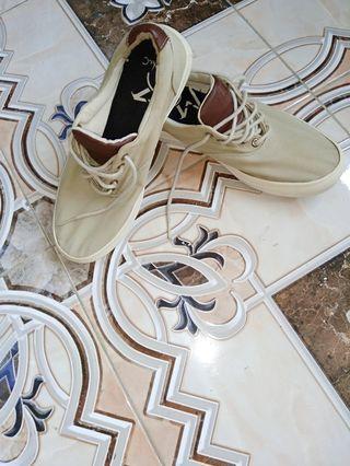 sepatu Marks.C