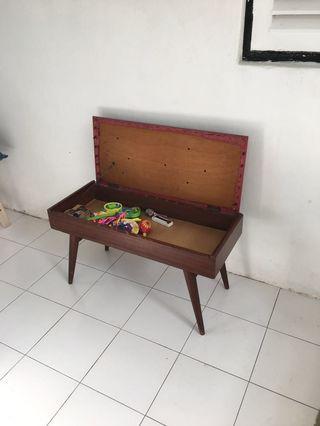 Seat / stool / Piano stool